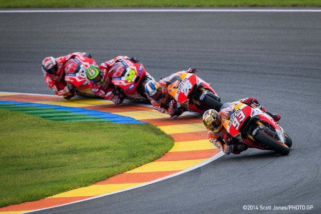 MotoGP: Race Results from Valencia 2015 Sunday MotoGP Valencia Scott Jones 05 635x423