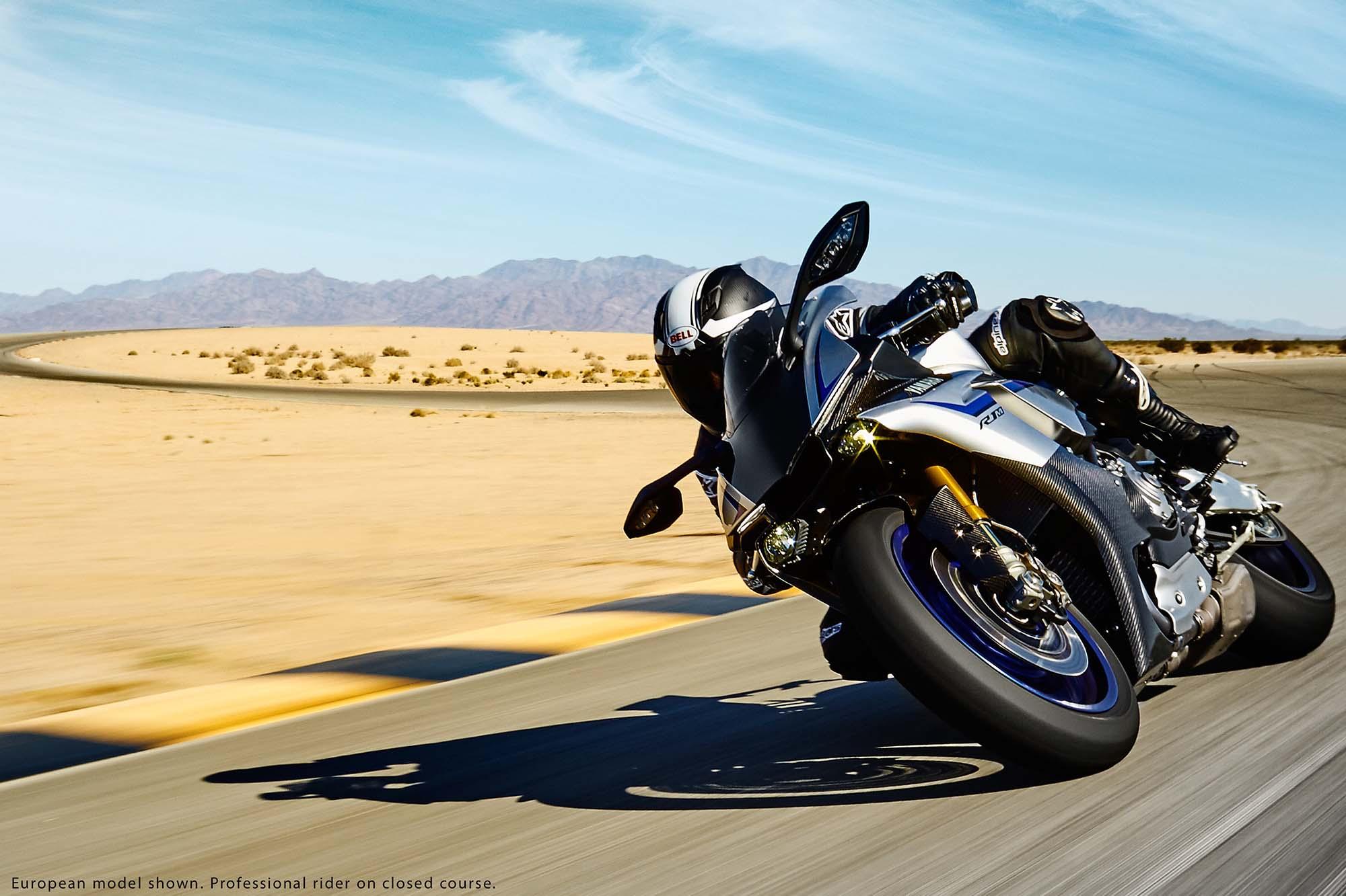 [Imagem: 2015-Yamaha-YZF-R1M-21.jpg]