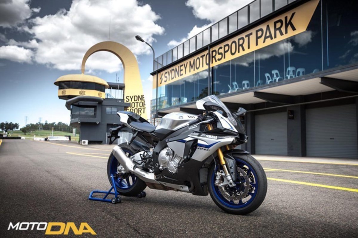 Ride Review 2015 Yamaha Yzf R1 R1m