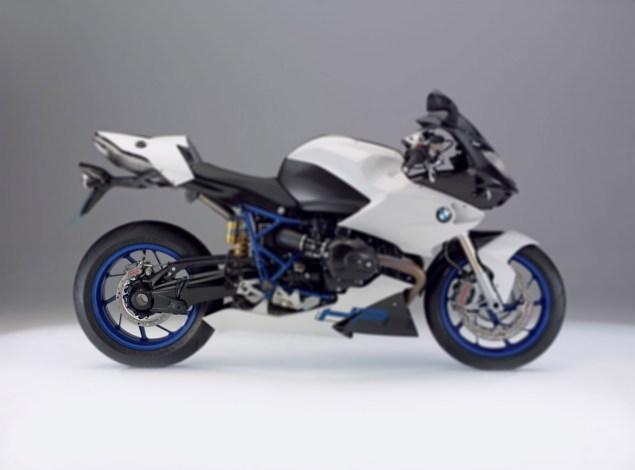 2009-BMW-HP2-Sport-blur