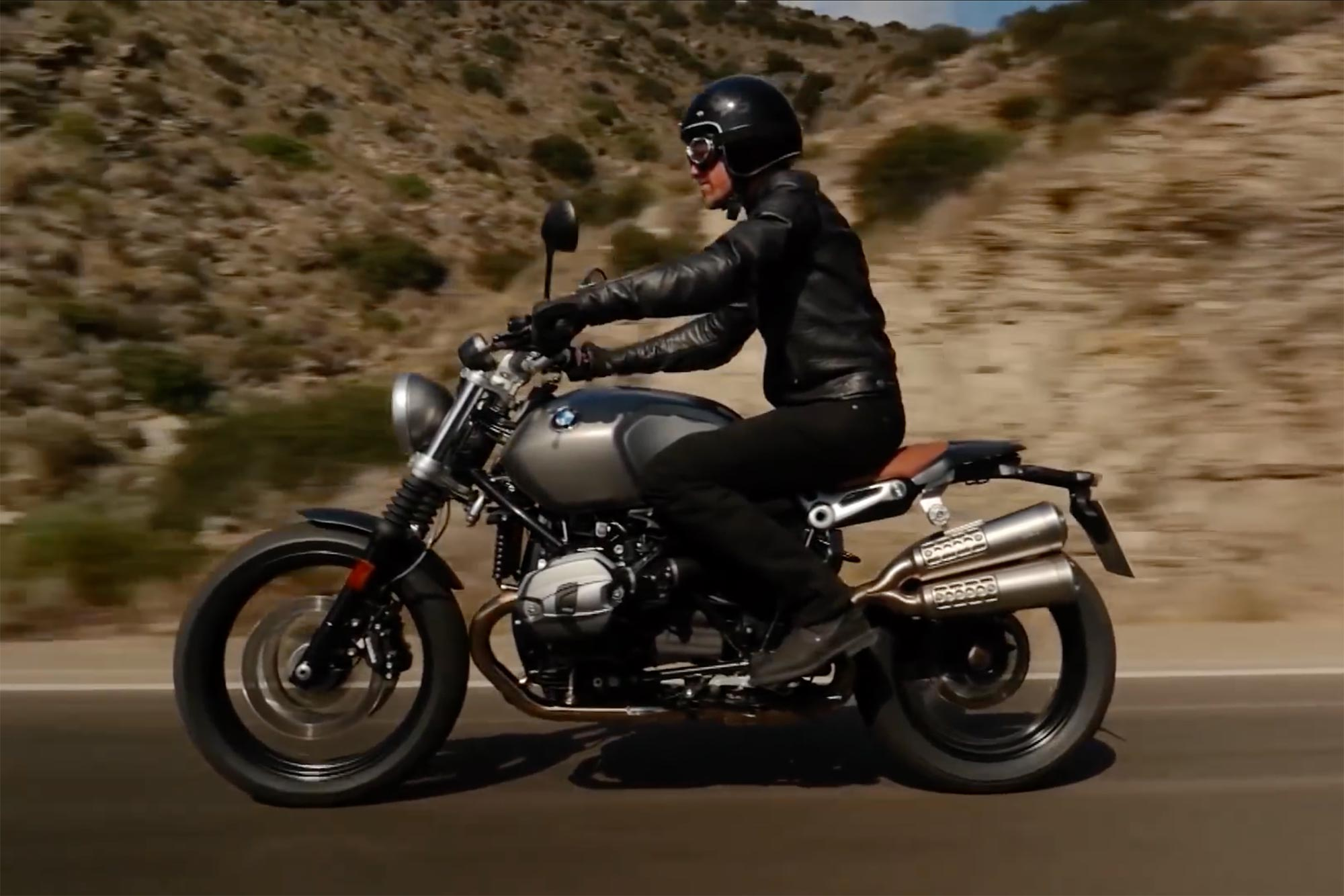 here 39 s your first look at the bmw r ninet scrambler. Black Bedroom Furniture Sets. Home Design Ideas