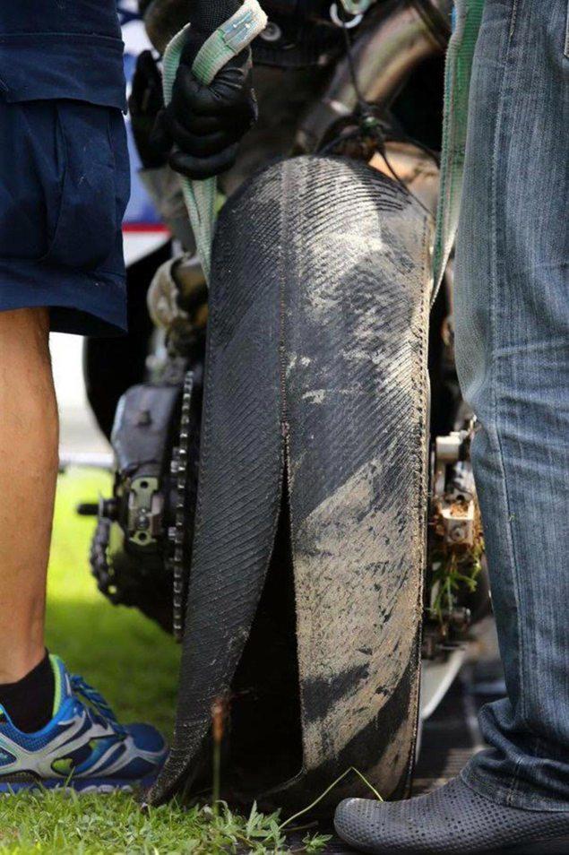 loriz-baz-michelin-tire-explosion-sepang-test-motogp