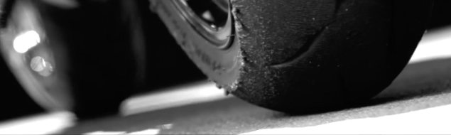 2017-honda-cbr1000rr-fireblade-tires-teaser-2
