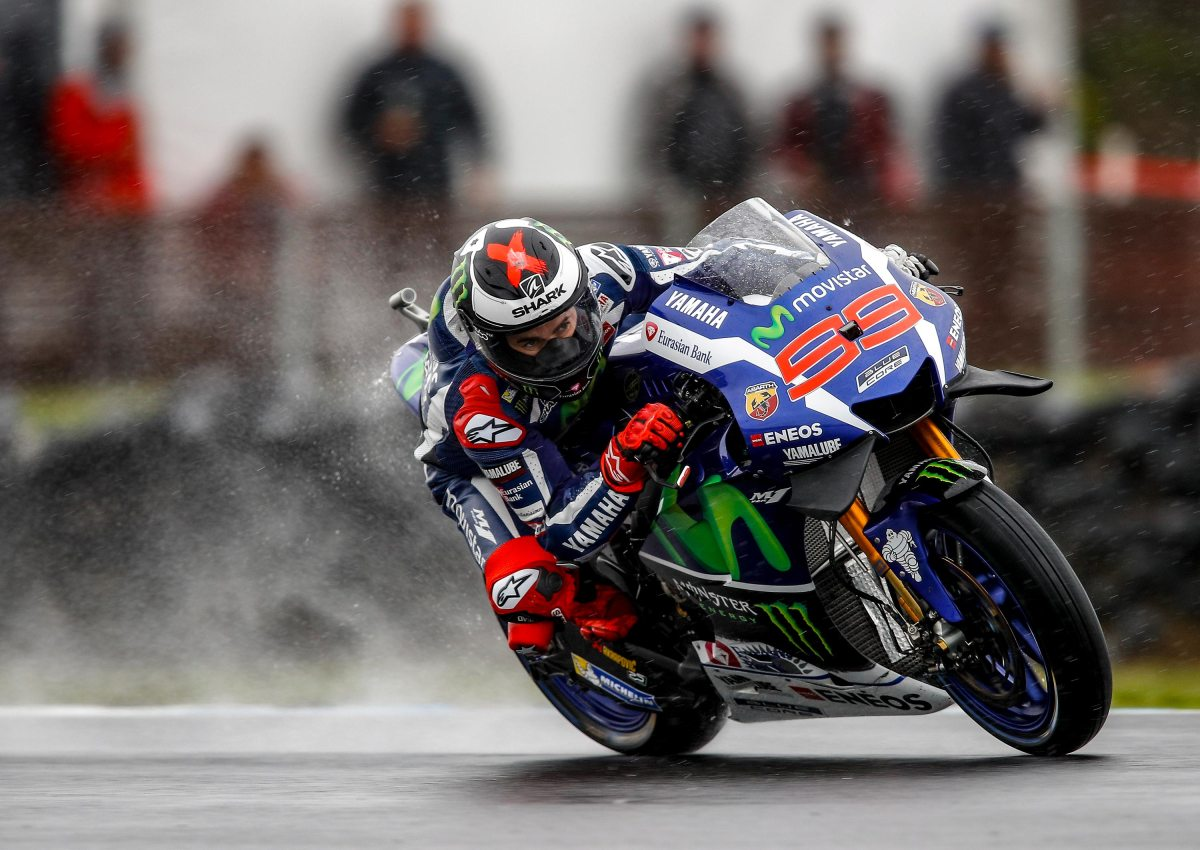 Friday MotoGP Summary at Phillip Island: Rossi's Tire Troubles, & Lorenzo's Woes in the Rain