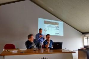 Arsenio García, Pablo Peyuca y Rubén Río presentan la información contenida en el Portal de Transparencia del Ayuntamiento de Astorga. / DA