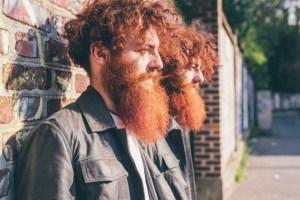 ¿Por qué hay hombres morenos con barbas rojizas? ¿Qué hace pensar a algunas personas que los pelirrojos dan mala suerte? ¿Se extinguirá algún día este color de pelo? Las respuestas, en este reportaje. Imagen: Fotolia.