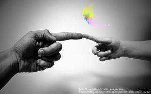 Fingerzeig - PublicDomainPictures - pixabay.com michelangelo-71282_640 01.02.14x