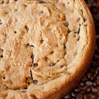 {Healthy!} Deep Dish Chocolate Chip Cookie Pie