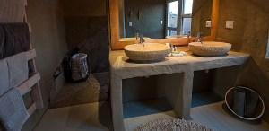 Little Kulala Lodge Namibia Bathroom
