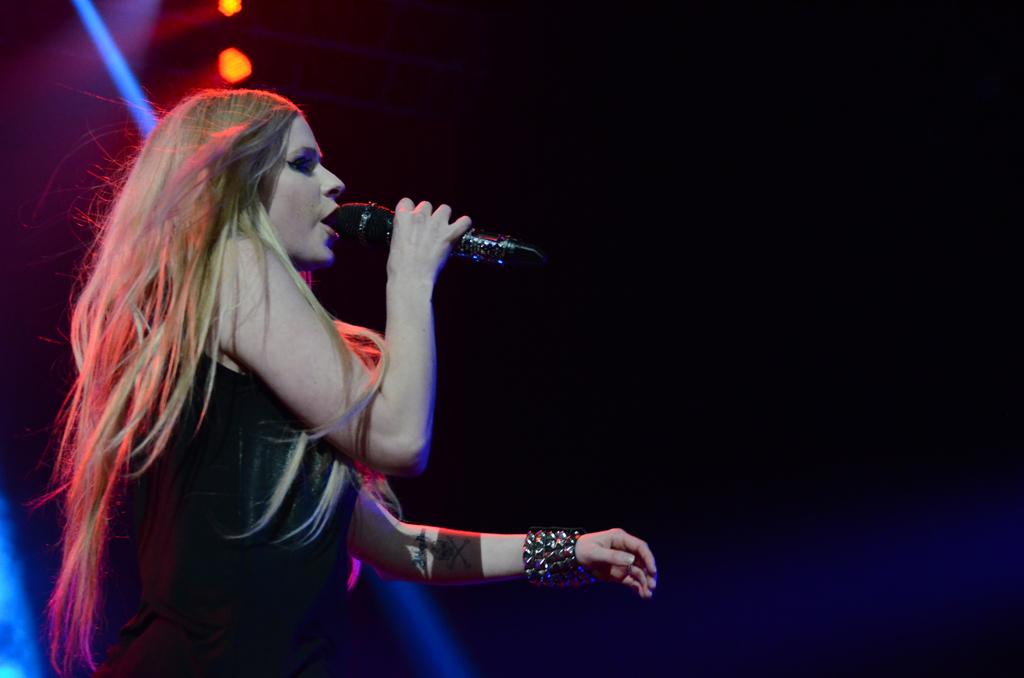 Avril Lavigne 17