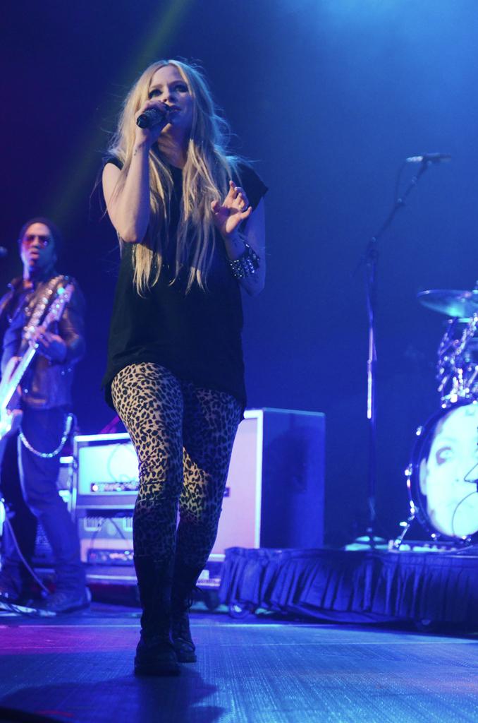 Avril Lavigne 23