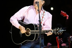Sheryl Crow and George Strait at Philips Arena, 3/22