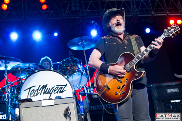 CatMax Photography-Ted Nugent-Verizon Wireless Amphitheater-3170