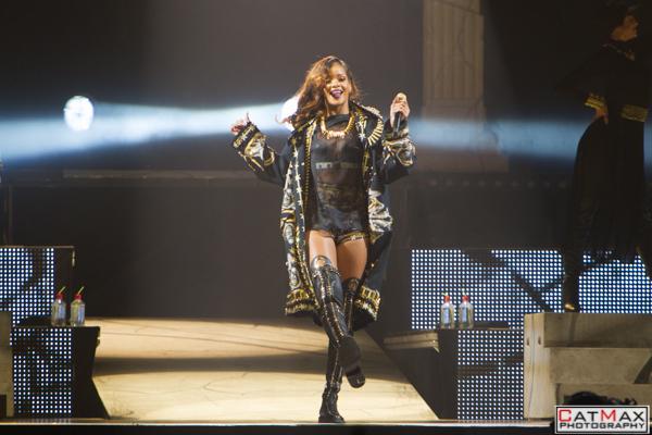 CatMax-Rihanna-Philips-Arena-1055
