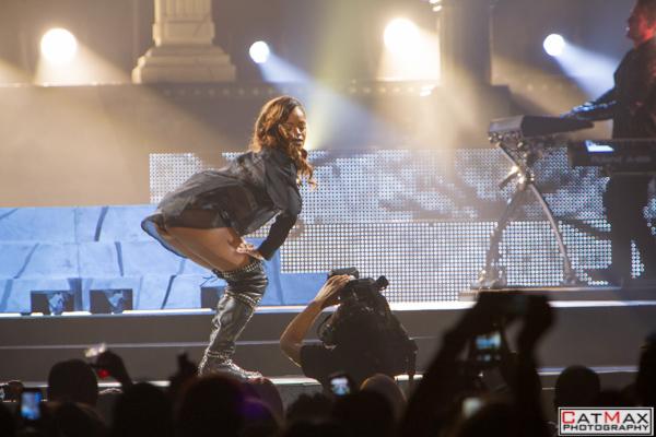 CatMax-Rihanna-Philips-Arena-1155