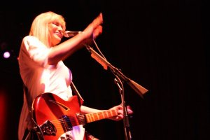 Live Review & Picture Book: Hole at The Tabernacle, June 30