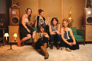 5GB Interview with Della Mae, Playing @ Eddie's Attic June 30th!