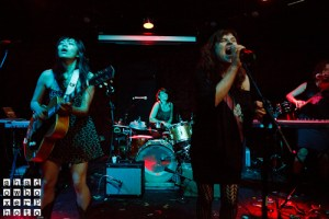 Picture Book: Thao and Mirah, Bobby at The EARL, June 13