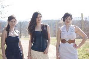 Interview: Underhill Rose @ Eddie's Attic 9/5