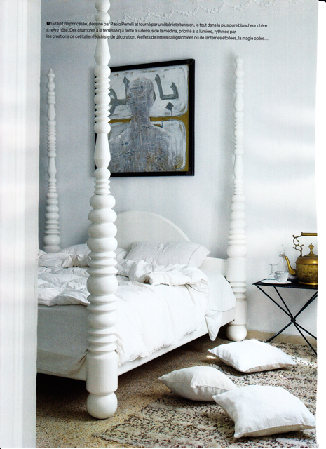 White poster bed