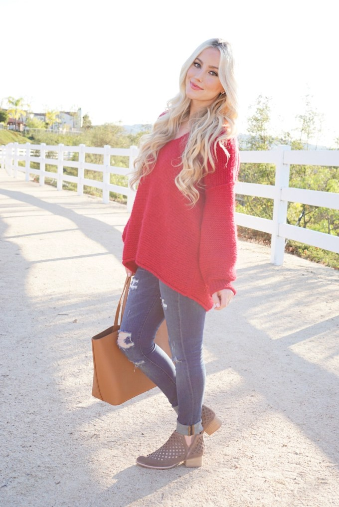 Katelyn Jones A Touch of Pink Slouchy Sweater Nordstrom Free People Jeffery Campbell