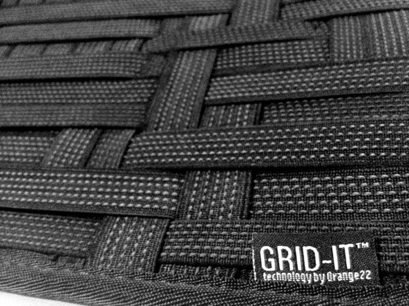 Cocoon GRID-IT!™: Close-up view of the elastic bands