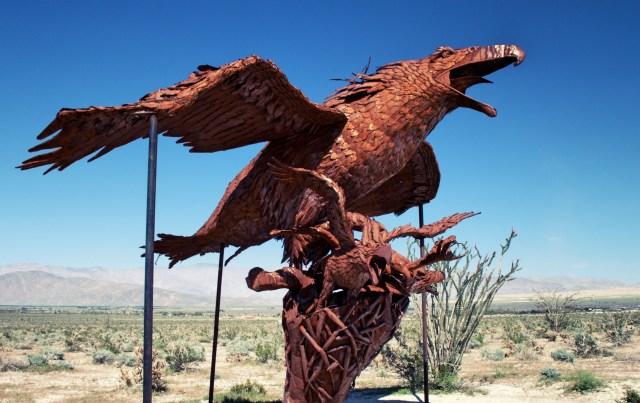anza-borrego-statue-eagle-nest_Fotor