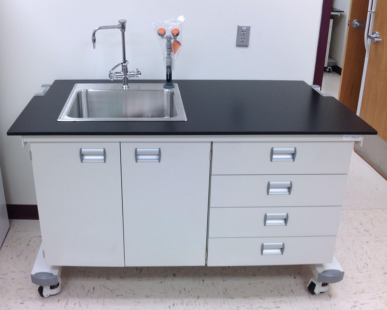 Ergolab Mobile Laboratory Benching System At Villa