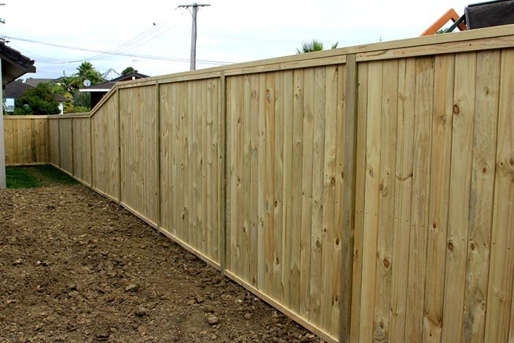 Wooden (timber) shiplap fence with flat top, built by Auckland