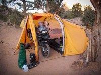 Ein Zelt fr Motorrad
