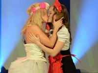I kissed a Girl