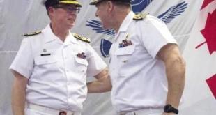 圖右側是前加拿大皇家海軍司令、海軍中將諾曼(Mark Norman)(網路圖片)