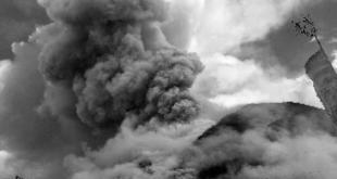 火灾现场浓烟滚滚。(网络图片)