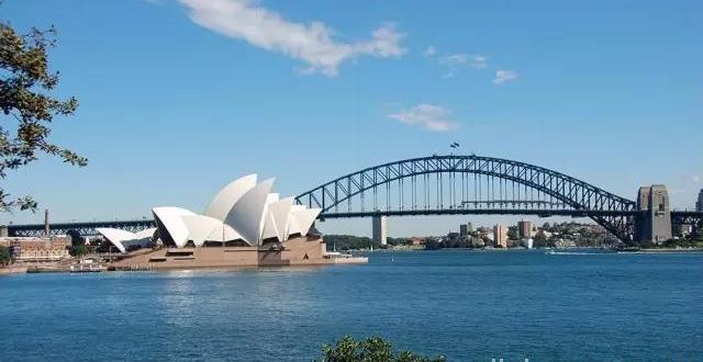 悉尼和新南威尔士州的8个美丽的海滩