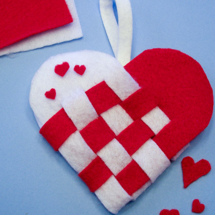 How to Make Woven Paper Heart Baskets - Valentine\u0027s Day Crafts