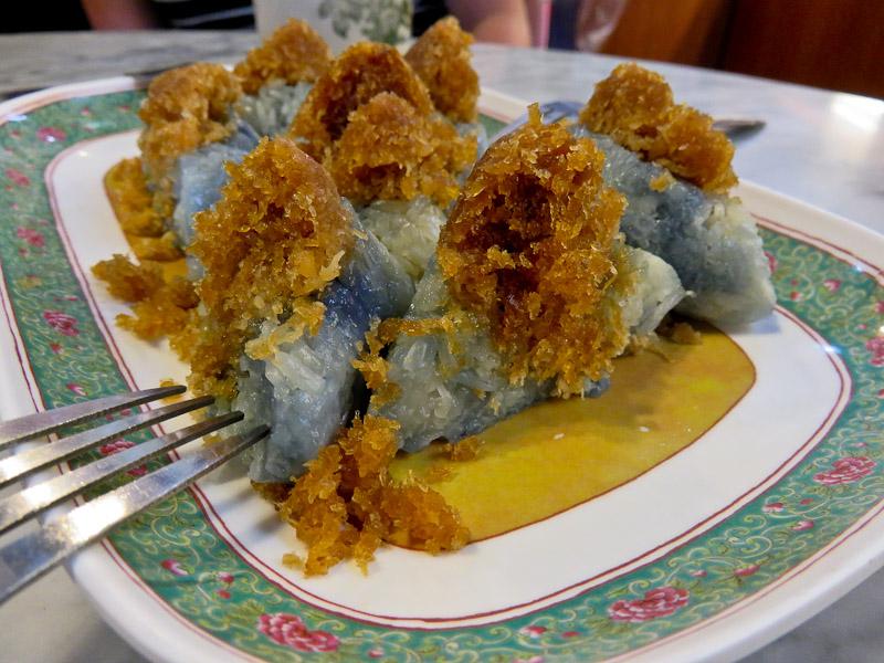 traditional singaporean snacks