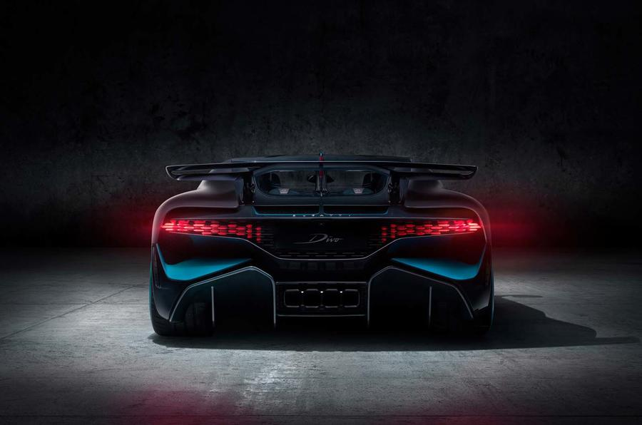 Bmw 3d Hd Wallpapers New Bugatti Divo Track Focused Chiron Based Hypercar