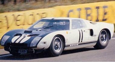 Ford GT40 em 1964 [gt40spf.com]