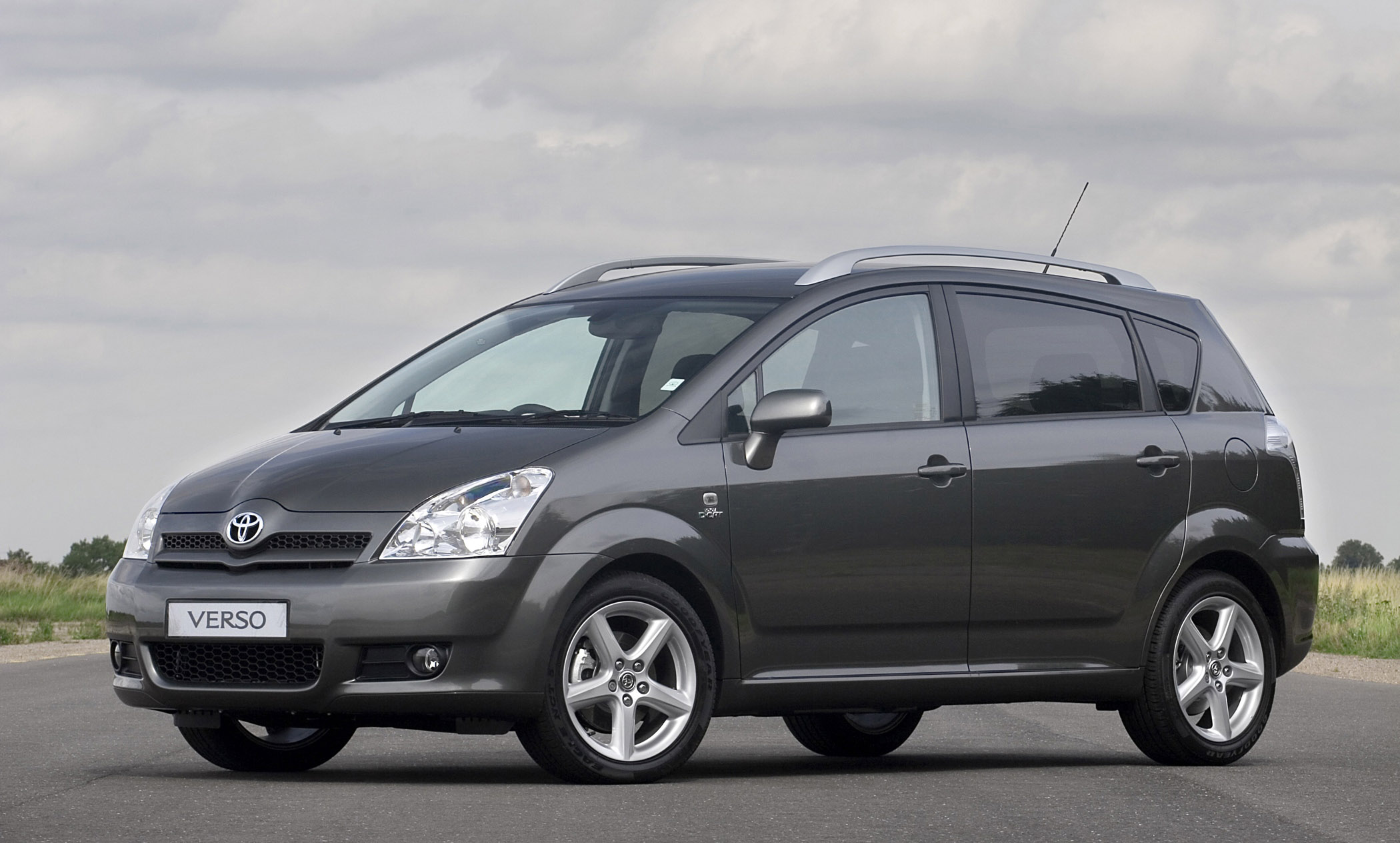Exclusive Car Wallpapers 2005 Toyota Verso D 4d Picture 77819