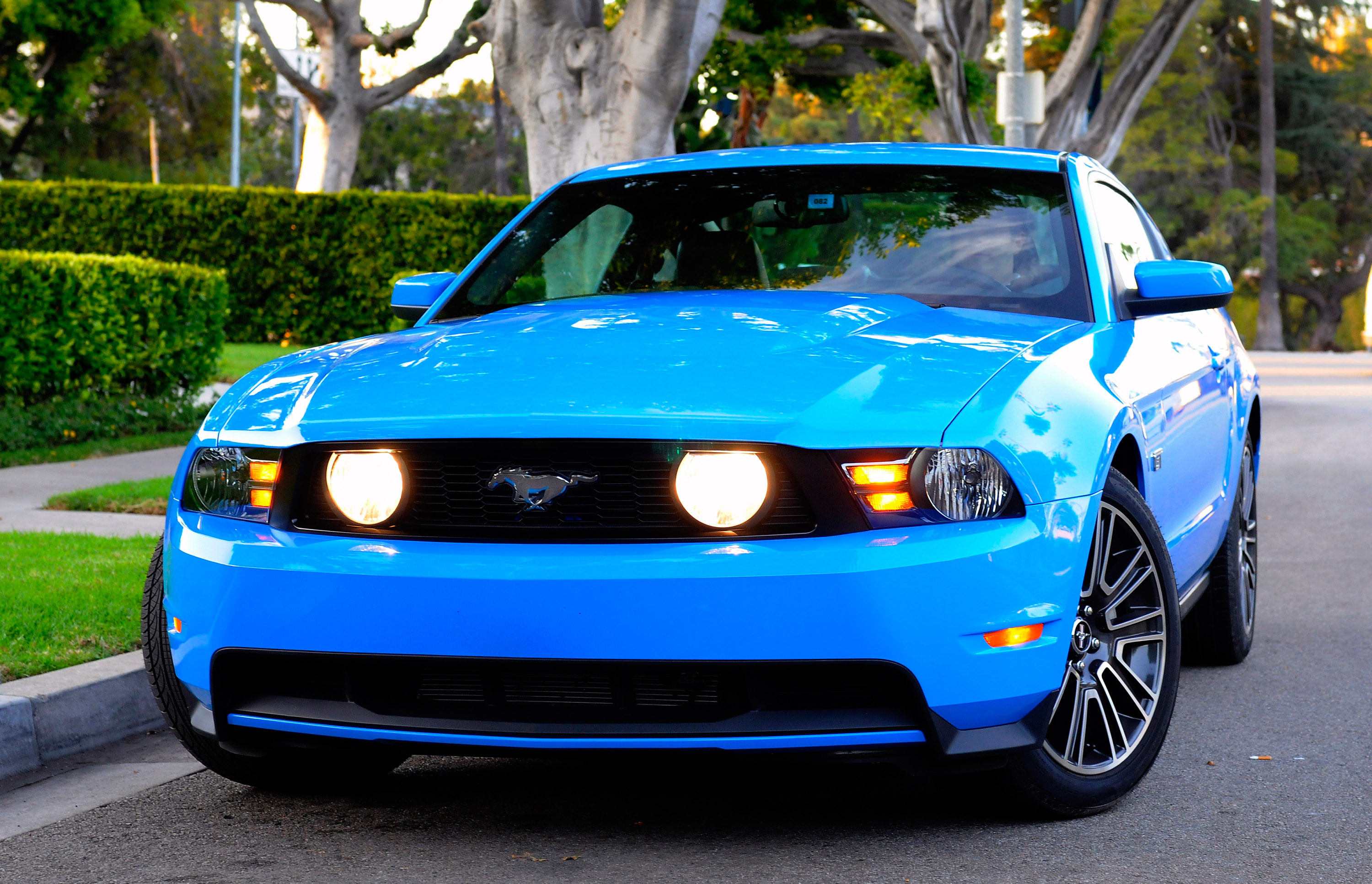 High Resolution Muscle Car Wallpapers 2010 Ford Mustang Gt Picture 21902