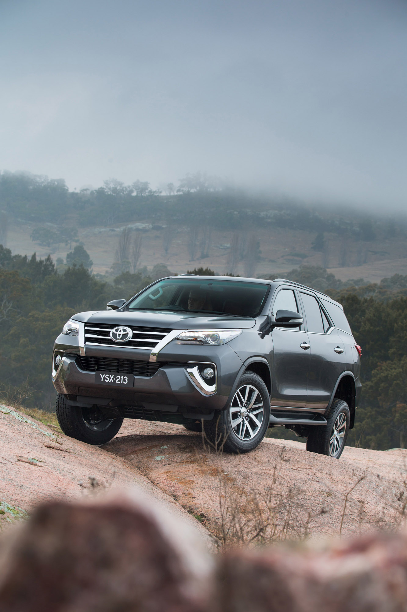 Great Car Wallpapers Toyota Fortuner Is The New Suv In Company S Line Up