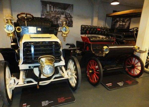 1901 Fiat and Oldsmobile Curved Dash
