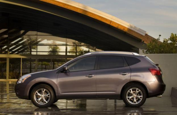 2013 Nissan Rogue side