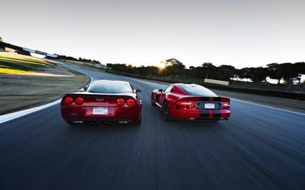 2013-Chevrolet-Corvette-ZR1-2013-SRT-Viper-GTS-rear-1-1