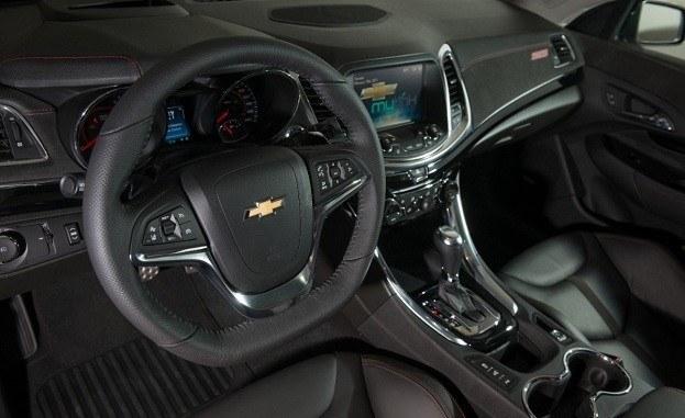 2014_Chevrolet_SS-014-medium