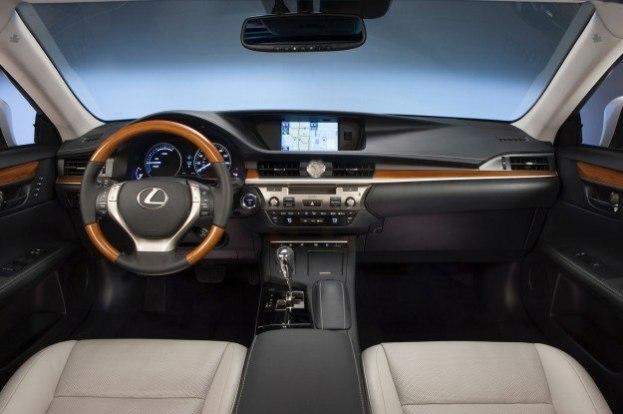 2013 Lexus ES350 interior