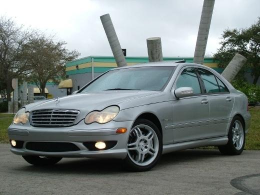 2003-Mercedes-Benz-C-Class-C32-AMG-Sedan