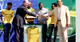 Hyundai Niall Lynch and Patrice Motsepe at the unveiling of the partnership deal