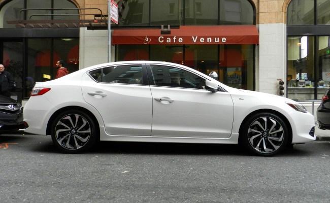 Acura-ILX-2012 2012 Acura Ilx