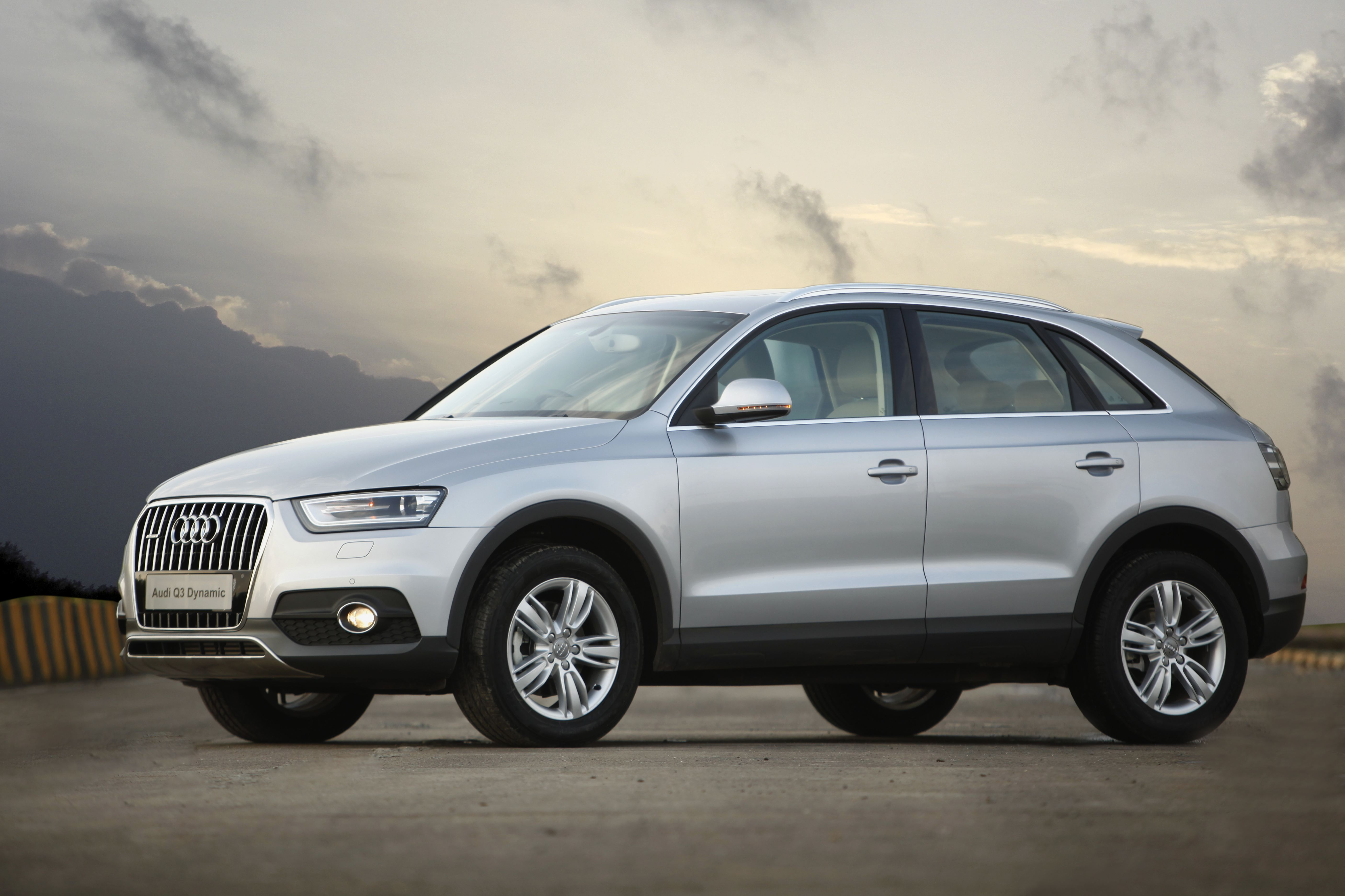 audi q3 expands its range introduces audi q3 dynamic. Black Bedroom Furniture Sets. Home Design Ideas